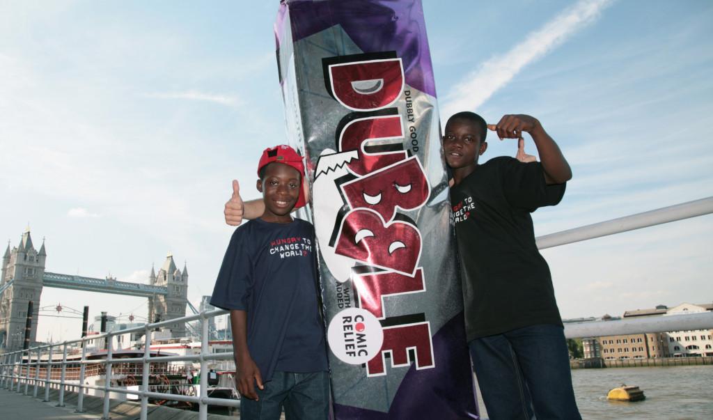 Boys with giant dubble bar